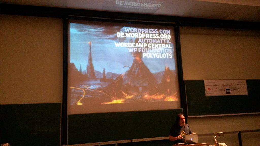 Zé presenting at WordCamp Hamburg 2014